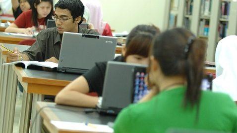 students-385356_960_720